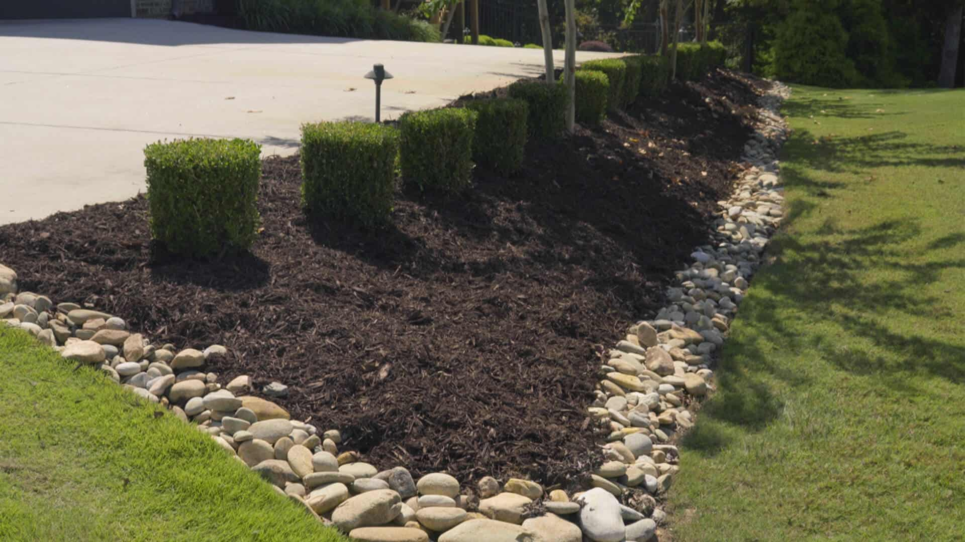 How to Choose Edging for Your Yard   Exmark's Backyard Life